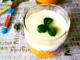 Dùng tủ đông công nghiệp làm món thạch sữa bí ngô